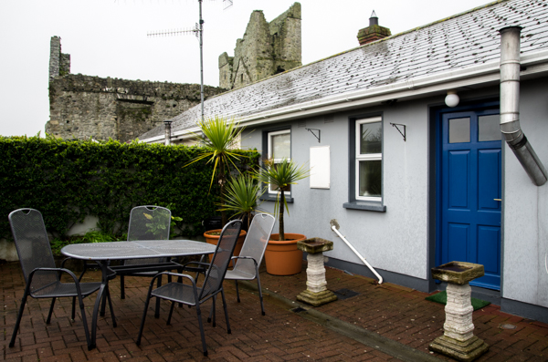 Self Catering Accommodation Carlingford Close to Medieval Monastary